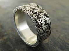 https://flic.kr/p/HTP3ty | DSCF2345 | Hand engraved 9x2mm silver ring