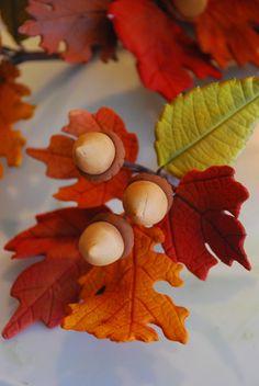 Handmade gum paste / sugar paste fall leaves and acorns for a 3 tier wood grain airbrushed wedding cake Fondant Rose, Fondant Flower Cake, Fondant Cakes, Fondant Baby, 3d Cakes, Sugar Paste Flowers, Fall Cakes, Fondant Decorations, Fall Wedding Cakes