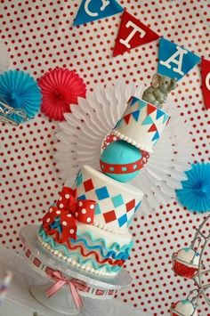 - Circus / carnival themed cake