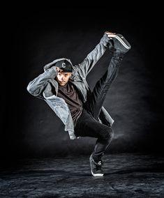 """Sie planen eine Veranstaltung und spielen mit dem Gedanken das Thema """"Tanz"""" ins Programm aufzunehmen? Erzählen Sie uns von Ihren Vorstellungen – wir stehen Ihnen mit unseren erstklassigen Künstlern kompetent zur Seite. Ballett Bauchtanz Urban Dance: Breaking/Locking/Popping Burlesque Flamenco Hip Hop Höfischer Tanz Modern Dance Samba Showdance Street Dance Tango Volkstanz Street Dance, Samba, Urban Dance, Modern Dance, Charleston, Hip Hop, Events, Flamingo, Dance Routines"""