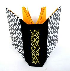 lovely longstitch bookbinding variation - Costura nova by Maria Meira