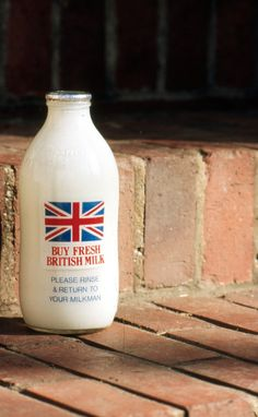 British Milk Bottle - I don't drink milk anymore, but this bottle with the Union Jack is so pretty :-) Frappuccino, Starbucks, Union Flags, British Things, English Village, English Cottages, British Invasion, English Countryside, Countryside Village