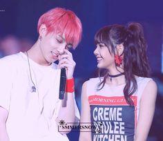 South Korean Girls, Korean Girl Groups, K Pop, Hoseok, Bts Girl, Kpop Couples, Bts Imagine, Just Pretend, Korean Couple