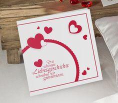 """Mit der #Einladungskarte """"Lovestory"""" leitet Ihr das Herzthema Eurer Hochzeit ein."""
