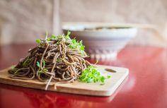 Cogumelos e noodles