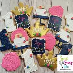 I never get tired of dainty flowers for little girls! How about you?! . . . . . . . #firstbirthday #princess #cookies #instacookies #cookieofig #customcookies #decoratedsugarcookies #themedsugarcookies #cookieart
