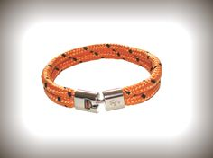 Heren armband model Cordes. http://www.heren-armband.nl/heren-armband-model-cordes-orange