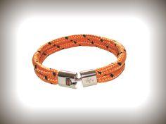 Heren armband model Cordes. http://www.heren-armband.nl/heren-armband-model-cordes-orange