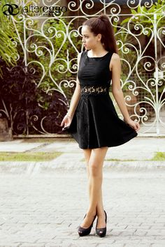 #Moda #Fashion #2015 #trendy #chic #femenino #vestidocorto #Black #romatico #romantic #altereggo on.fb.me/1LwqAuN
