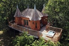 20-Creative-Kids-Treehouses-For-Your-Summer-Yard-8