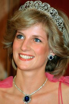 Princess Diana Princess of Wales smiles while wearing the Spencer Family Tiara at a State Reception in Brisbane Australia in April 1983 Lady Diana Spencer, Spencer Family, John Spencer, Royal Princess, Princess Of Wales, Space Princess, Baby Princess, Princesa Real, Kate Middleton