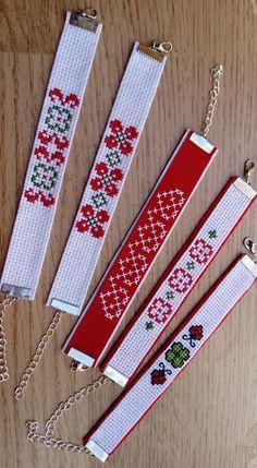 Cross Stitch Beginner, Tiny Cross Stitch, Cross Stitch Bookmarks, Cross Stitch Finishing, Cross Stitch Borders, Counted Cross Stitch Patterns, Cross Stitching, Cross Stitch Embroidery, Bead Loom Bracelets