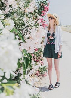 The perfect travel companion - Tropical one-piece outfit on the flowery highways of Spain