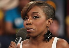 http://blackcelebhairstyles.files.wordpress.com/2009/08/estelle_short_hair_style_4.jpg