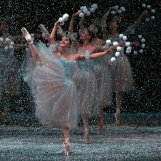 "Indiana Woodward, ""The Nutcracker"" choreography by George Balanchine, New York City Ballet - Photographer Andrea Mohin George Balanchine, Dance Photos, Dance Pictures, Dance Hip Hop, Dance Aesthetic, City Ballet, Ballet Photography, Ballet Beautiful, Ballet Dancers"
