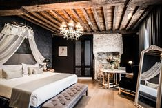 Located in the very heart of Bruges -across the street from the St. Salvator Cathedral- is Hotel de Castillion, a refined hotel set in a 17th-century redbrick palace. The Groeningemuseum is a 4-minute walk, while the Markt central city square is a 6-minute walk. Best Spa, Central City, Rain Shower, Bruges, Hotel Spa, Belgium, Relax, Mirror, Elegant