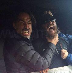 Director Alejandro Gonzalez Iñaratu chocking Tom on the set of The Revenant