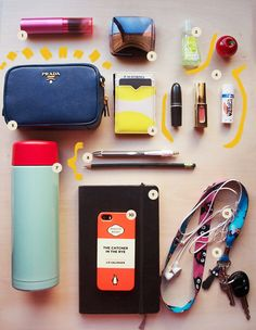 School Bags: Promotional Items That Work – Bags & Purses What's In My Backpack, Backpack Purse, What In My Bag, What's In Your Bag, Cute Purses, Purses And Bags, Inside My Bag, What's In My Purse, Backpack Essentials