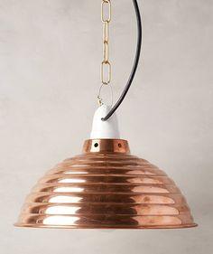Lampe von Anthropologie – Kupfer - Einrichtungsideen und Wohninspirationen in kupferfarben für die Wohnung. Accessoires und Kupferfarbene Dekoobjekte zum Nachshoppen...Die schönsten Produkte im Kupfer-Style haben wir für sie zusammengestellt.
