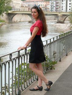 Une robe Lekala 4288. Plus de photos sur mon blog: http://lescreationsdecaroscrap.blogspot.fr/2014/10/deer-lekala-et-grains-de-couture.html