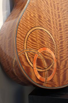 Janet Lewis: luthier
