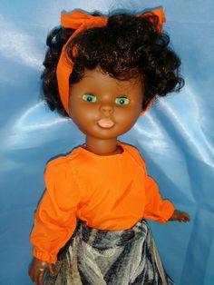 Nuestra preciosa muñeca negra o negrita Nancy Blue Jeans del 76 con cintura flexible