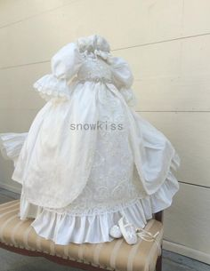 135.00$  Buy here - http://alib86.worldwells.pw/go.php?t=32769169630 - 2016 Hot sale Long sleeves Lolita Christening Gown with Crystals Belt Baby Girl Baptism Dresses Lace Applique With bonnet 135.00$