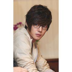 Kim Hyun Joong image by hannahninar - Photobucket Asian Actors, Korean Actors, Brad Pitt, Pretty Men, Beautiful Men, Play Kiss, Kim Joon Hyun, Baek Seung Jo, Kim Bum