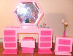 Vintage barbie doll ken gym playset lot workout furniture for Barbie dream house bedroom
