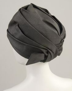 Woman's hat (back view) | Italy, circa 1950 | Designed by Cesare Canessa, Rome, active 20th century | Material: black synthetic plain weave | Philadelphia Museum of Art