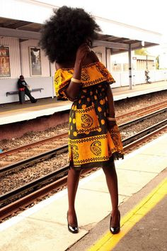 Beautiful dress & #natural hair