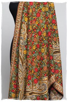 The Antiquaires Shawl Collection Kurta Designs, Saree Blouse Designs, Blouse Patterns, Kashmiri Suits, Kashmiri Shawls, Indian Designer Outfits, Indian Outfits, Kinds Of Clothes, Clothes For Women