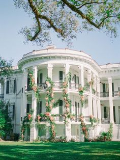 Dream Home Design, My Dream Home, Mansion Wedding Decor, Wedding Venues, Future House, Beautiful Homes, Beautiful Places, Mansion Interior, Abandoned Mansions