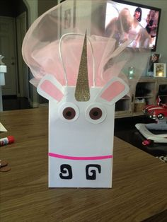 Fluffy unicorn gift bag, despicable me, despicable me party, despicable me party idea | Beautiful Cases For Girls