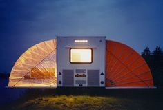"""""""De Markies"""" (The Awning) from Böhtlingk architecture was an entry in the """"Temporary Living"""" competition in 1985,  With folding fabric """"awnings"""" its floorspace can be increased threefold in a matter of seconds"""
