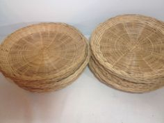 12 Wicker Bamboo Straw Rattan Paper Plate Holders 9.5  Diameter Beach Summer #Unbranded & Packerware 17 Plastic Paper Plate Holders Camping Picnic BBQ Holiday ...