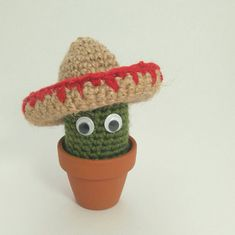 Ganchillo Mini cactus con sombrero crocheted 4 pulgadas (10cm) de altura
