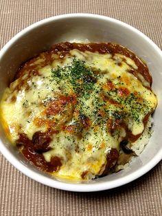 キノコたちのにんにくライスに、残りカレーをかけて、チーズたっぷり(*^^*)  お父さんいない日の、息子飯! - 23件のもぐもぐ - チーズカレードリア by yukichango5