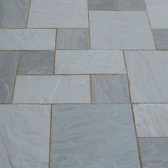 The ever-changing Kandla Grey Patio Paving Slab Pack offers a subtle grey colour on dry days and takes on a lovely blue/grey tone when it's wet, providing an impressive patio or paved area. Each Kandla Grey Patio Paving Slab Pack contains four varying Driveway Paving, Stone Driveway, Paver Walkway, Paver Sand, Paver Edging, Paver Stones, Concrete Paving, Paving Slabs, Sandstone Paving