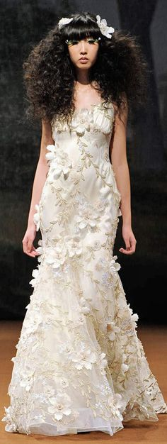 Claire Pettibone floral #wedding dress #weddings #weddingdress