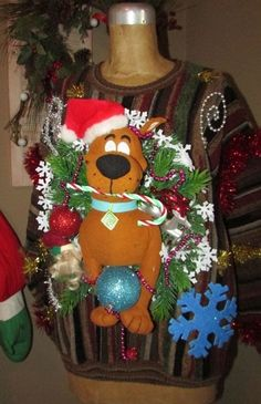 """UGLY CHRISTMAS Sweater SCOOBY DoO Front/Back Design Scooby  L 44""""chest #UglyChristmas #Crewneck"""