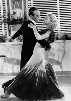 inches) Poster featuring Picture taken in 1934 of US actress, dancer and singer Ginger Rogers, dancing with her partner of Fred Astaire, during the shooting of the film Old Hollywood Glamour, Golden Age Of Hollywood, Vintage Hollywood, Classic Hollywood, Ginger Rogers, Swing Dancing, Ballroom Dancing, Fred Astaire, Wedding Ideias
