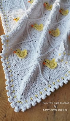 This is a Crochet Pattern to make your own Duck Blanket and Duck Bunting Set Level - Advanced beginnerUnique crochet patterns By Kerry Jayne Designs**INCLUDES A