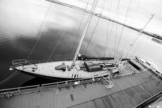 Detalhe interno do Royal Yacht Britannia - Escócia - Fotografia de autoria própria e impressa no processo Fine Art  - Papel fotográfico Hahnemühle Photo Luster 260 gsm - Moldura nas cores branca ou Preta  - As dimensões (altura e largura) podem ser adaptadas à sua necessidade/espaço. 15x21 = R$ 66,00 20x30 = R$ 86,00 30x40 = R$ 126,00 40x50 = R$ 240,00  https://vitrine.elo7.com.br/suafotonaparede