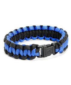 You don't want to miss out on the military inspired look of the comfortable Rothco Paracord royal blue and black bracelet. Be sensible and stylish with the royal blue and black colorway bracelet made from soft and flexible 7 strand polyester Paracord mate