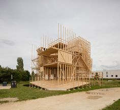 ALICE collaboratively builds balloon-frame timber 'house' in lausanne Temporary Architecture, Timber Architecture, Pavilion Architecture, Architecture Design, Tectonic Architecture, Lausanne, Vejle, Wooden Pavilion, Balloon Frame