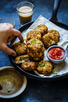 These Vegetarian Soya Chunks Cutlet are amazing as an Appetiser or even for your child's lunch box. In 30 minutes, make these healthy starters. Soya Chunks Recipe, Soya Recipe, Chaat Recipe, Biryani Recipe, Indian Food Recipes, Vegetarian Recipes, Cooking Recipes, Healthy Recipes, Ethnic Recipes