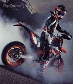 Ktm 690 Smc R Photos and Wallpapers \u2014 BikersNews