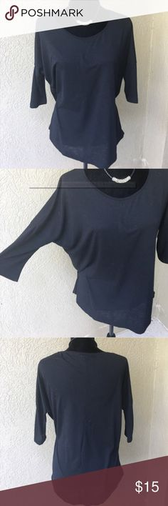 "CottonOn black dolman 3/4 length sleeve tee Casual and comfortable this black dolman 3/4 length sleeve tshirt goes with everything. GUC- light pilling hardly noticeable see zoomed in close up pic Bust. 23.5"" length 24.5"" ✅I ship same or next day ✅Bundle for discount Cotton On Tops"