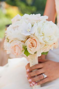 Classic wedding bouquet - Robin Jolin Photography